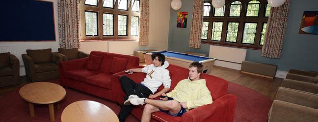 Camp linguistique d'été junior BELL - Cambridge - The Leys School (Cambridge en Angleterre)