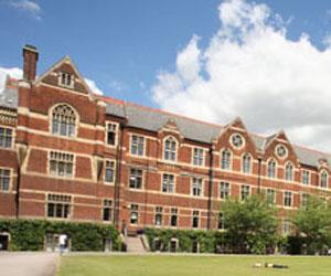 Programme d'été sur campus pour adolescents multi-activités Angleterre Camp linguistique d'été junior BELL - Cambridge - The Leys School - Cambridge