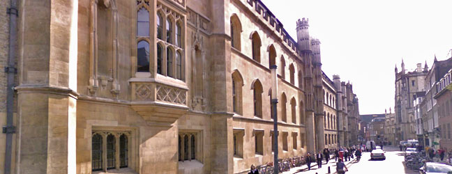 Camp linguistique d'été junior Bucksmore - Corpus Christi College - Université de Cambridge (Cambridge en Angleterre)