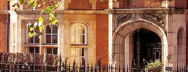 Cours d'été sur campus + circuit touristique (Londres en Angleterre)