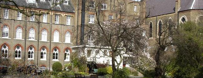 Camp linguistique d'été junior - Whitelands College Richmond (Londres en Angleterre)