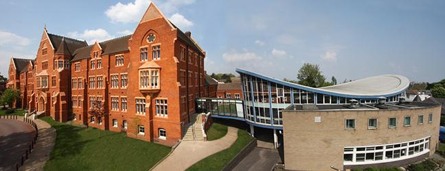 Camp linguistique d'été pour enfants et adolescents St Dunstan's College (Londres en Angleterre)