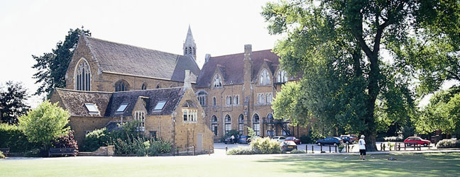 Camp linguistique d'été junior BELL - Oxfordshire - Bloxham School Campus (Oxford en Angleterre)