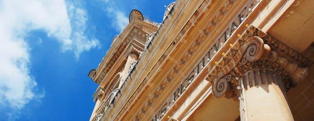 Cours chez le professeur pour préparation d'examen à Malte pour adolescent