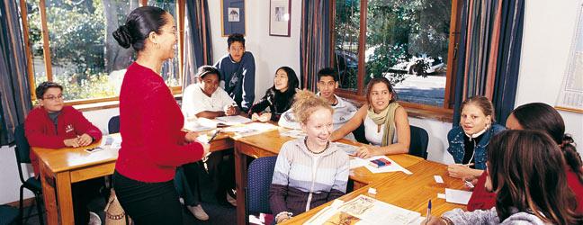 Cours intensif d'Anglais en mini groupe sur campus - Programme Junior mini groupe en immersion chez le professeur